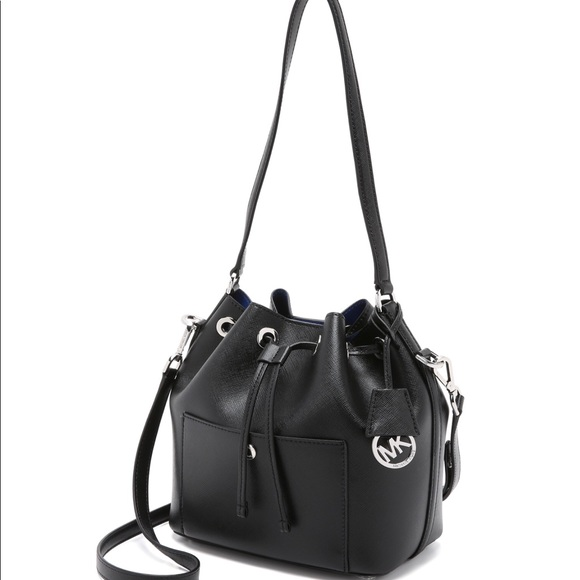 759bff40121973 Michael Kors Bags | Md Bucket Bag Black Greenwich | Poshmark